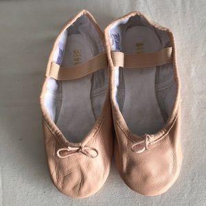 Bloch leather pink ballet shoes Sz 11.5B